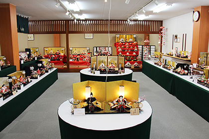 五月人形店内01